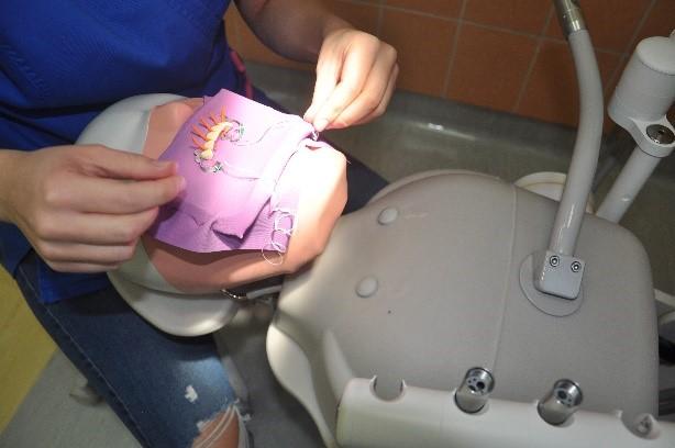 Zawody symulacja stomatologiczna 4